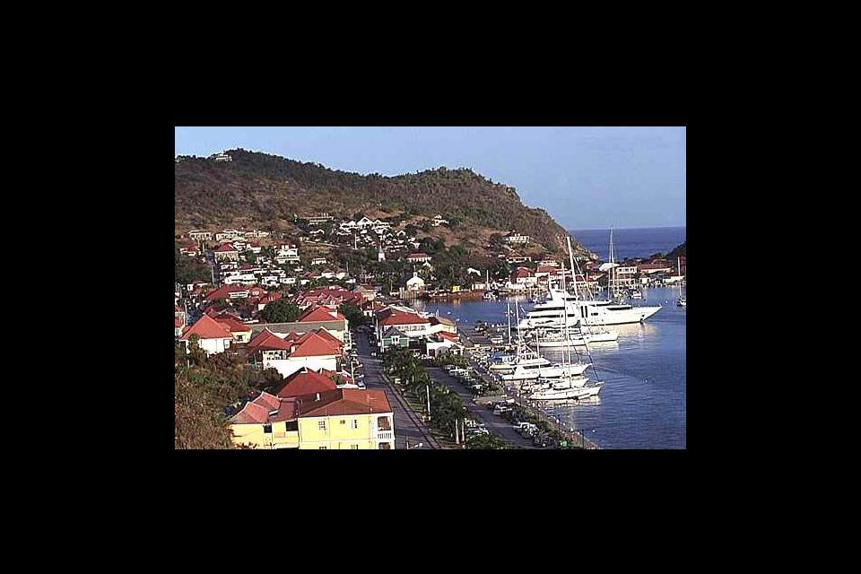 Gustavia è un sapiente connubio di tradizione e turismo di lusso.