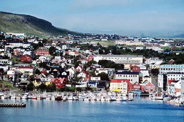 Torshavn est une ville aux maisons très colorées, typiques de l'archipel.