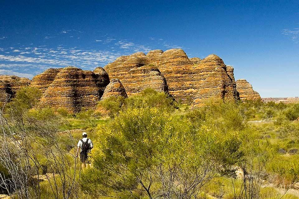 Les touristes visitent souvent les sites naturels, préservés par le pays. Ainsi, de belles balades à vélo ou à pied sont à faire.