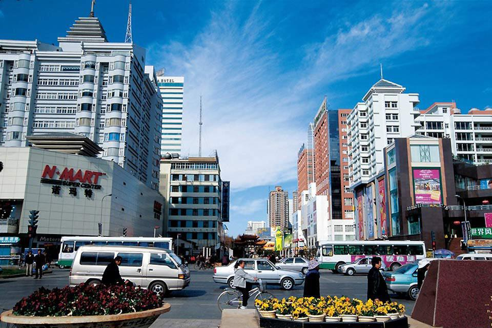 Kunming, also called the 'City of Eternal Spring', displays modern architecture.