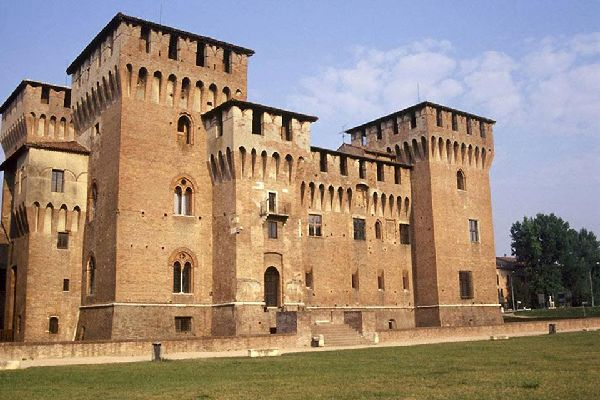 At the heart of Mantua stands the Castle of Saint George, which dates back to the 14th century. Today it is incorporated into the large group of buildings that is Ducal Palace.