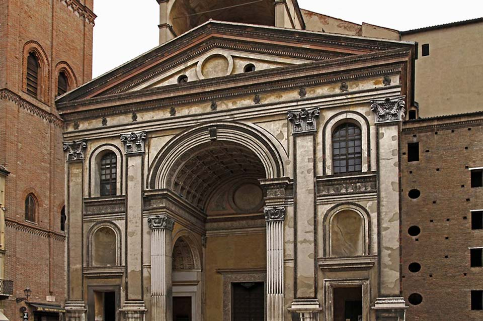 The Roman Catholic Sant'Andrea Co-Cathedral is the biggest church in Mantua: it is the creation of Gian Battista Alberti