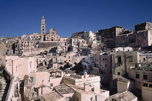 Matera has an ancient history that dates back to the Paleolithic age: each and every era has left its mark on this extraordinary town.