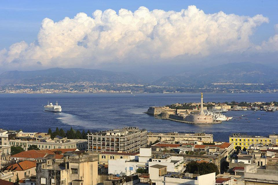Messina seems to surround its port, which is its beating heart.