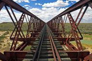 Se puede llegar a Alice Springs en tren, a través de Central Australian Railway.