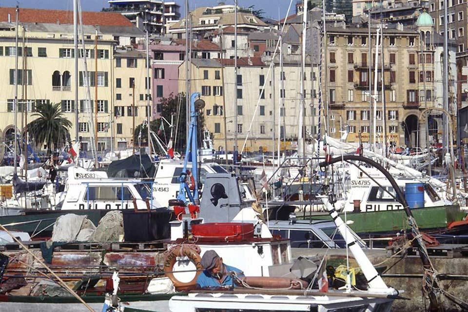 El puerto de Savona, el segundo más grande de Liguria después del de Génova, es uno de los más importantes de Italia.