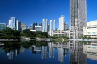 La capitale se trouve au confluent de deux cours d'eau : le Klang et le Gombak.