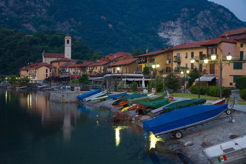 Le principali citta' della Verbania, sono Intra e Pallanza. Entrambe si affacciano sul Lago.