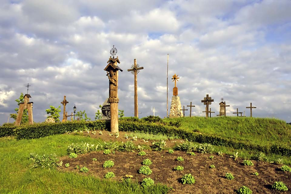 The region of Kaunus is famous for its votive crosses.