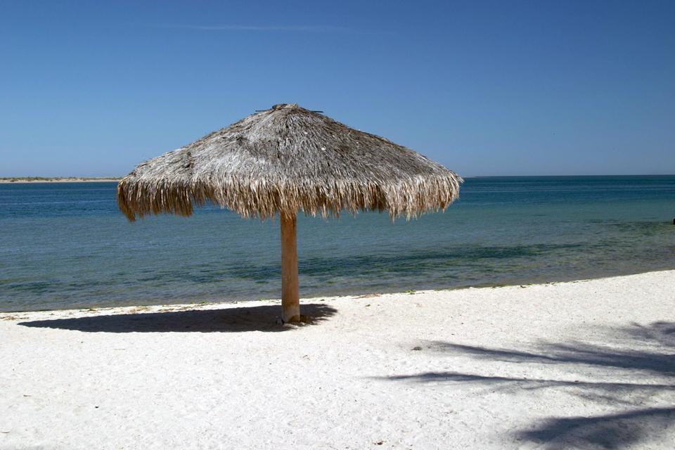 Paradiso per amanti dell'avventura e dei grandi spazi, il deserto si affaccia su spiagge di sabbia bianca che costeggiano il Pacifico.