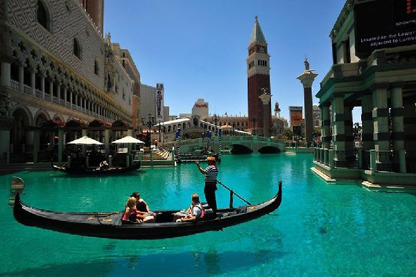 A gondola trip down the Grand Canal delivers a unique Vegas experience.