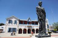 A l'extrémité nord de la promenade de Larnaka, la statue du philosophe Zenon, fondateur du stoïcisme.