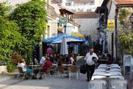 Si le front de mer de Larnaka est branché, juste derrière, les ruelles du quartier turc ne manquent pas de charme.