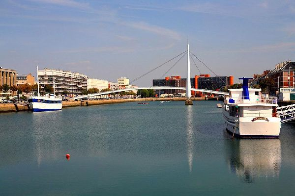 It is France's second largest port in terms of size, and its first in terms of the value of the goods treated. Next to the citadel you will find a small fishing port.
