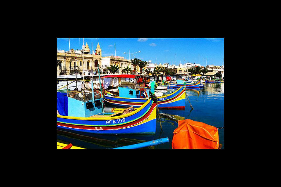 This is the most beautiful port from which to admire the festival of colours displayed by the 'luzzu', traditional Maltese boats.