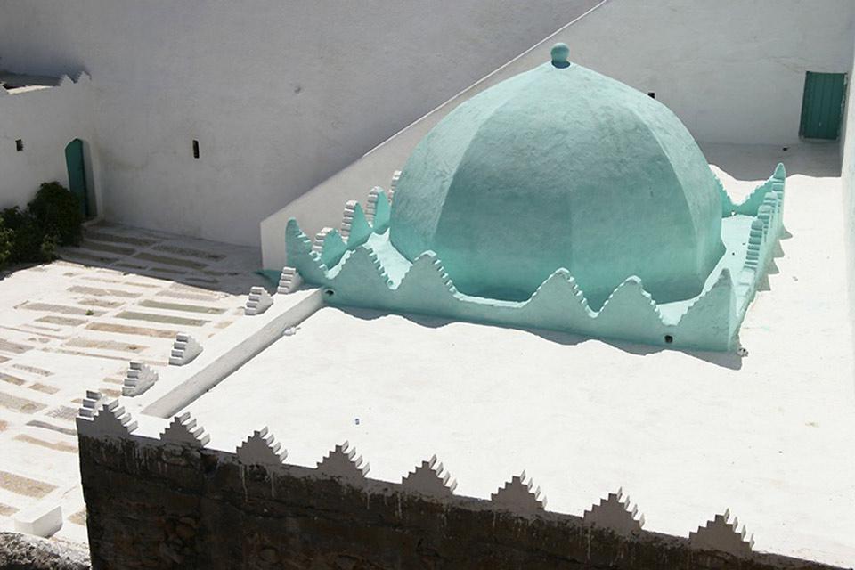 Nehmen Sie sich Zeit, in den Gassen dieser Stadt zu flanieren. Hier gibt es portugiesische Festungen, die Medina, aber auch Paläste und Türme zu entdecken.