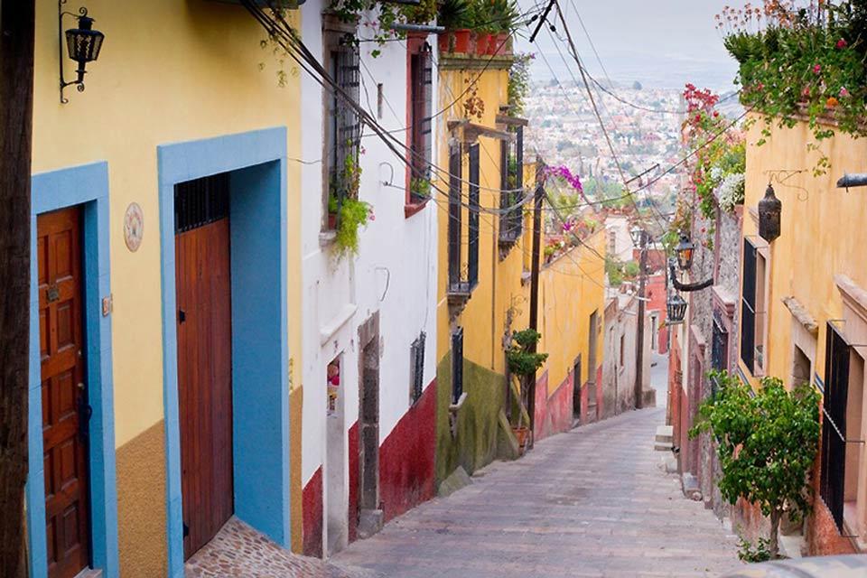 Les rues de San Miguel de Allende sont étroites et en montée.