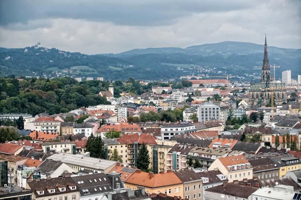 Linz est une ville de 190 000 habitants  au nord de l'Autriche, elle a été fondée par les Romains.