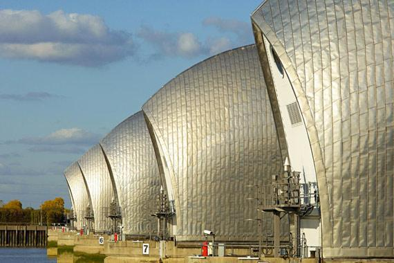 Londres (monuments et shopping) : Thames Barrier, Londres - Royaume-Uni