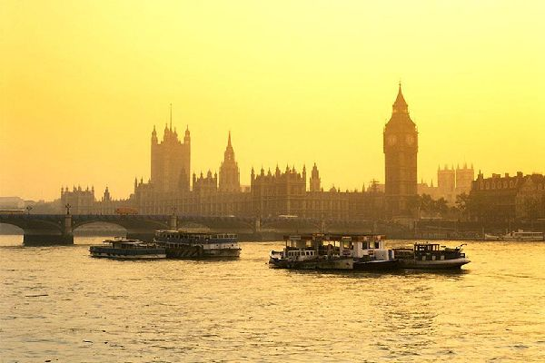 Westminster cuenta con muchos monumentos y edificios históricos que debes visitar.