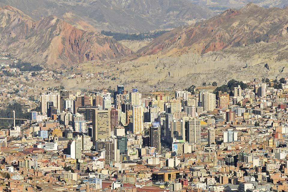 Nostra signora di La Paz è la capitale amministrativa della Bolivia e la seconda città più popolata dopo Santa Cruz.