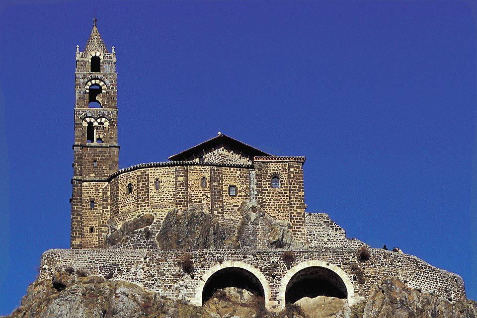 Perched on a volcanic rock, this Roman chapel is a not to be missed site when visiting the town.