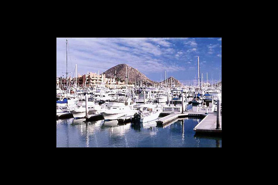 Loreto è delimitata ad est dal litorale del Golfo del Messico.