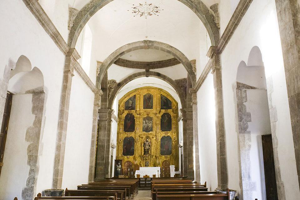 Veduta interna della chiesa di San Francisco di Loreto.