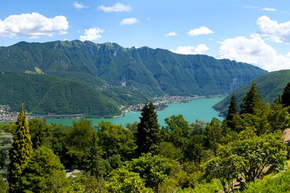 Lugano verfügt über ein mildes mediterranes Klima und folglich eine üppige Vegetation.