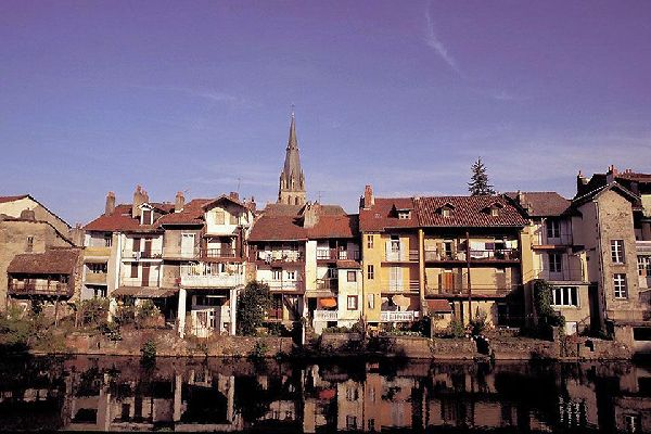The administrative centre of the department of Cantal benefits from as much sunshine as Toulouse.