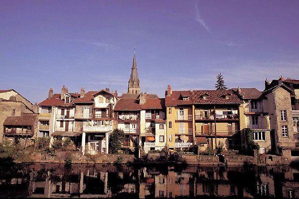 Le chef-lieu du département du Cantal bénéficie d'un ensoleillement égal à celui de Toulouse.