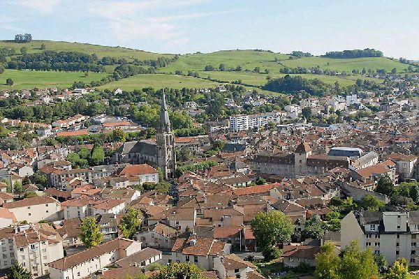 Founded in the 4th century, the church was formerly a stopping point for pilgrims en route to Saint Jacques de Compostelle.