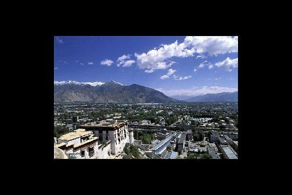 La ciudad de Lhasa se encuentra en los altiplanos del Tíbet, a unos 3650 metros de altura.