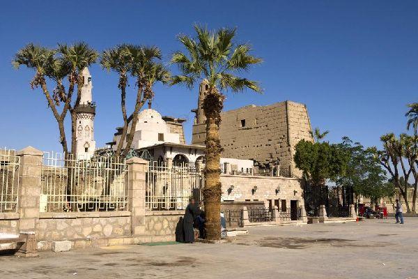 Lúxor es uno de los lugares de culto más antiguos del mundo.