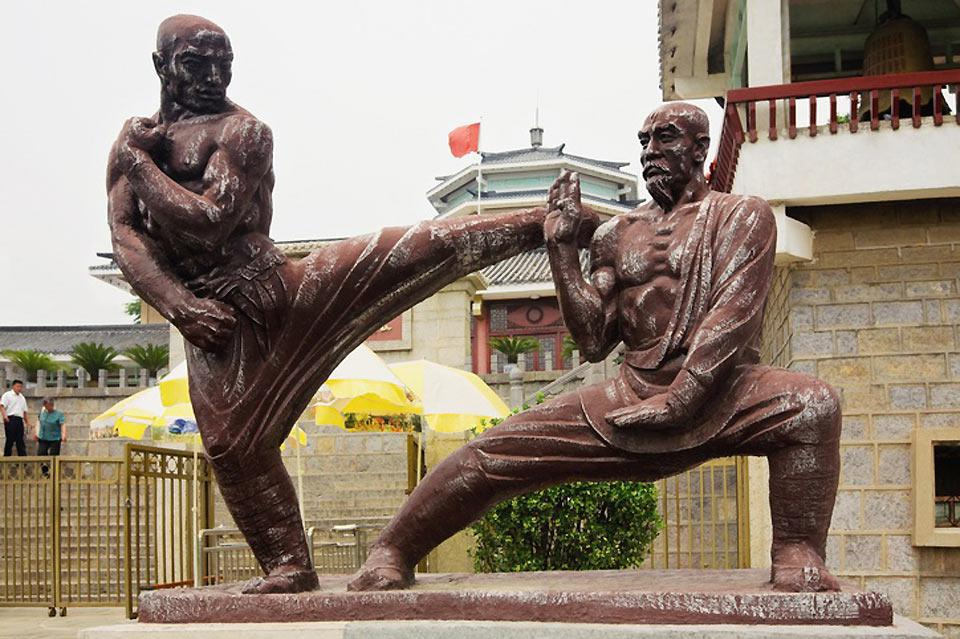 The Shaolin style of combat is at the origin of all the Chinese martial arts.