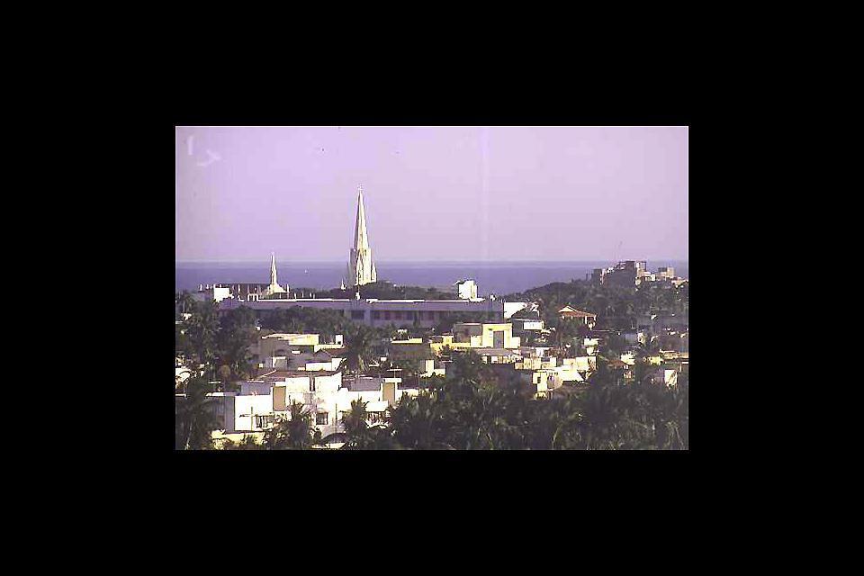 Chennai, appelée autrefois Madras, est la capitale du Tamil Nadu: il s'agit d'une mégalopole en développement permanent, riche en musées et en sites historiques.