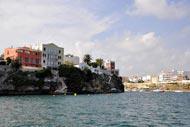 Le port de Mao est le plus grand port naturel de la mer Méditerranée et il était déjà considéré au Moyen Âge comme le refuge le plus sûr pour des flottes complètes.