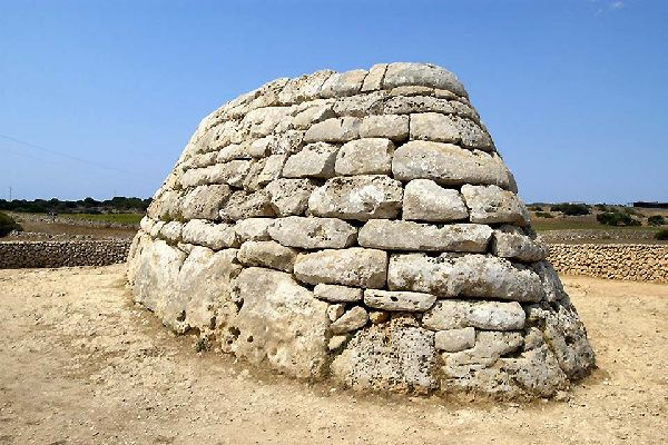 Queste costruzioni in pietra erano monumenti funerari.