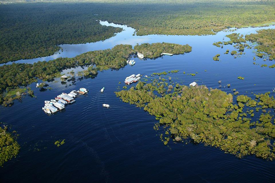 Una metropoli nel cuore della foresta amazzonica.