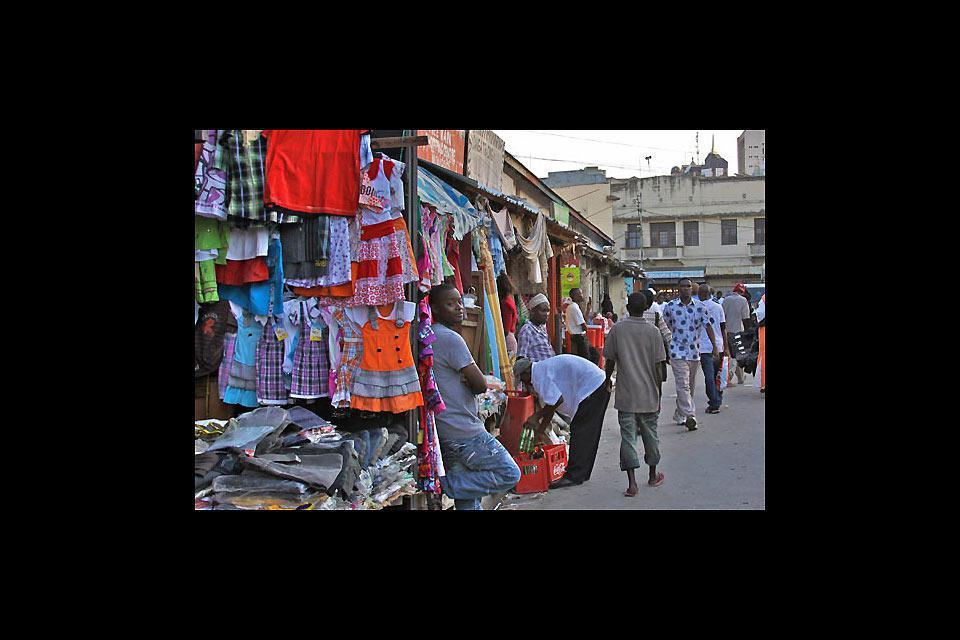 Si trova di tutto in questo mercato: sia alimenti che accessori o abbigliamento.