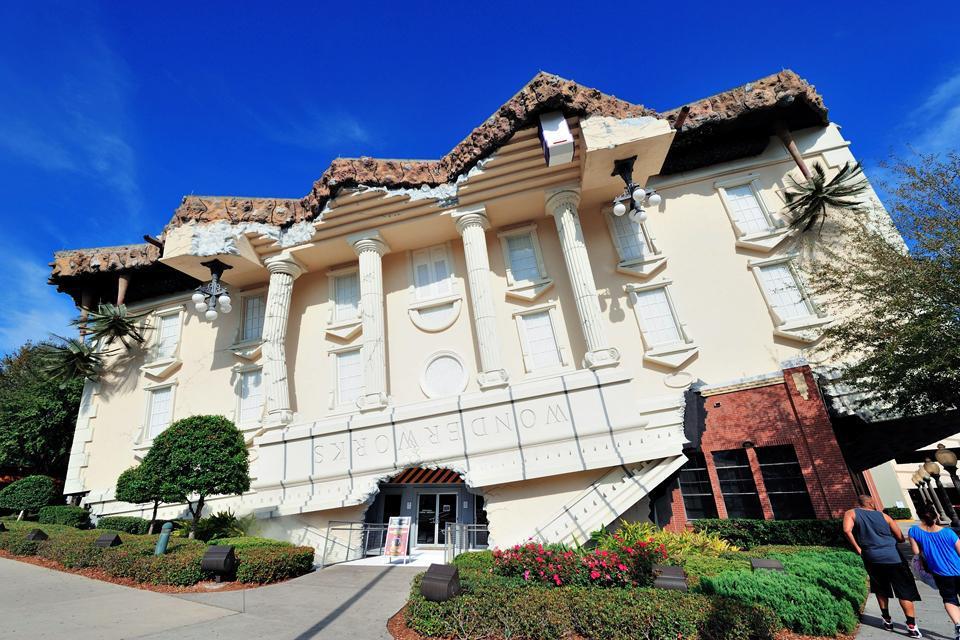 WonderWorks in Orlando ist eine spielerische und pädagogische Attraktion für alle Altersstufen.