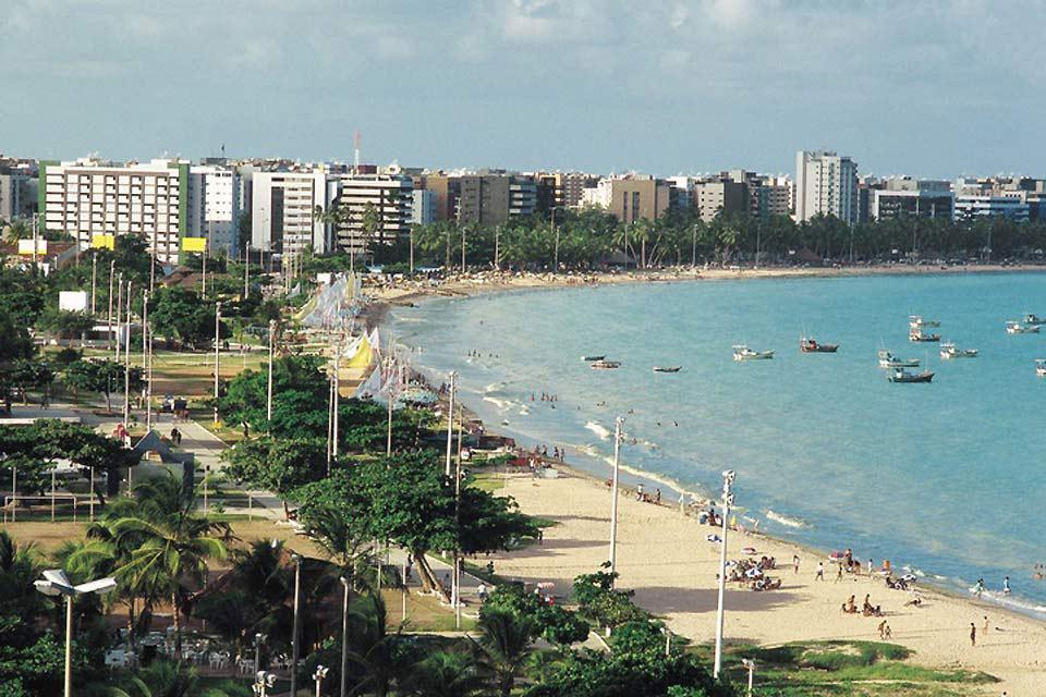 A Barra de Santo Antonio si può prendere la barca per recarsi sull'Isola di Coroa.