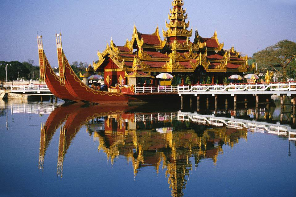 Many cruise boats offer cruises up the Irrawaddy River.