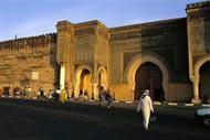 Mequinez es un tesoro en medio de Marruecos, con sus múltiples palacios, monumentos, jardines y mezquitas.