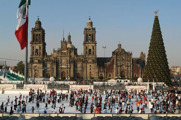 Située sur la place centrale, la cathédrale est la plus grande d'Amérique Latine.