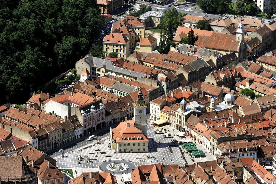 Located in the centre of Romania at the foot of Mount Tampa, Brasov is the region's economic and tourist centre.