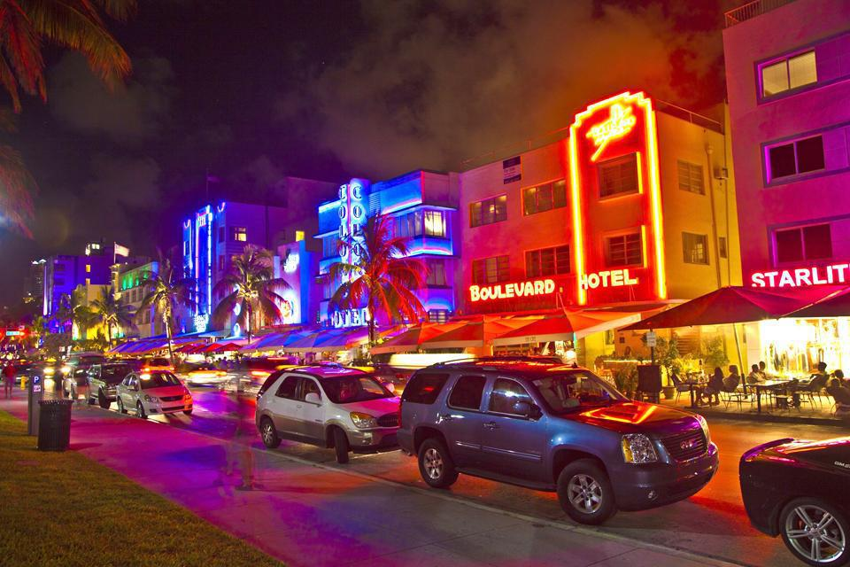 Ocean Drive is the most Art Deco street in Florida.