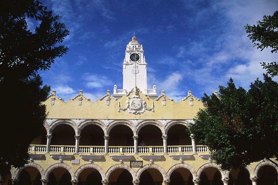 Il Municipio di Merida è composto da due sistemi di logge.