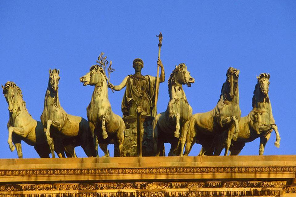 Milano è una città dalla ricchissima storia culturale, come testimoniano le innnumerevoli opere d'arte che la punteggiano