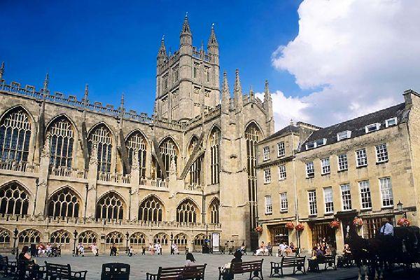 Diese riesige Abtei wurde im Jahre 1499 errichtet und wird noch heute genützt.